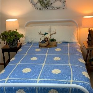 Retro Vintage Boho crochet floral King bedspread